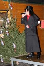 2009/43247/graf-horst-hotte-schroeder-auf-dem Graf Horst 'Hotte' Schröder auf dem Wanner Weihnachtsmarkt.  --  4.12.2009  --